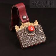 西藏老珊瑚銀皮包~金菩提宗師典藏品