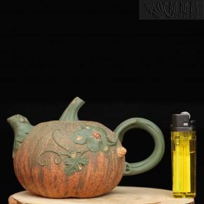 南瓜陶壺 底款:戴菊琴制 壺蓋內款:戴菊琴